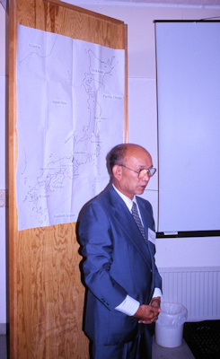 Hiroshi Takeuchi presenting a lecture to the Society during our visit to Sweden and Estonia in 1998©Ken Woolfenden