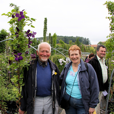 Hans Ruedi Horn-Gfeller and Fiona Woolfenden in Switzerland in 2009, with Walter Stabler in background©Ken Woolfenden